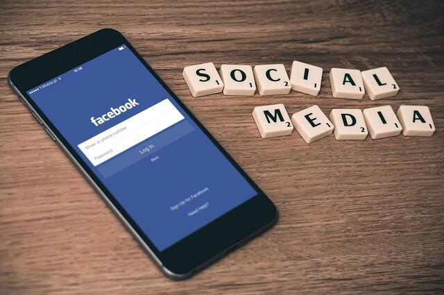 Jak usunąć konto na Facebooku - social media